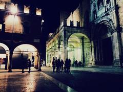 Ascoli Piceno (Fede Z.) Tags: iphone october ottobre people persone square light night notte luci piazza ascolipiceno ascoli