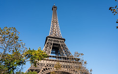 The Eiffel Tower 2 (Morten Kirk) Tags: mortenkirk morten kirk paris autumn fall france efterår frankrig europe europa 2016 travel holiday vacation sony a7rii a7r ii sonya7rii ilce7rm2 zeiss batis 25mm f2 225 distagon batis225 batis25mmf2 zeissbatis225 tour eiffel tower architecture city