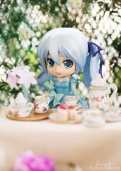 DSC03577-2 (kixkillradio) Tags: miniature tea set nendoroid hatsune miku snow kaito rement orcara dollhouse toy photography teaset goodsmilecompany vocaloid teaparty