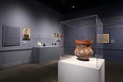 Ceramic pot (William & Mary Photos) Tags: williamsburg va usa williamandmary wm williammary wandm collegeofwilliamandmary collegeofwilliammary exhibit