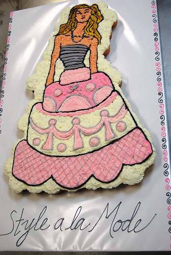38-polkatots cupcake cakes