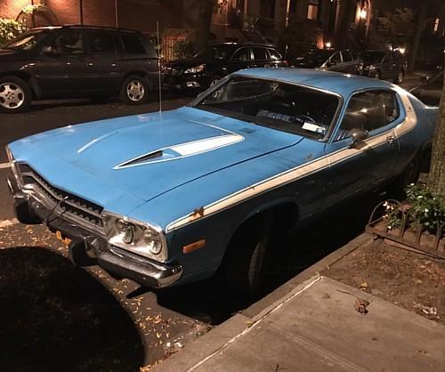 Baby blue #plymouth roadrunner in the neighborhood. #vintage