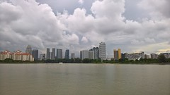 On the Kallang River (SmartFireCat) Tags: singapore singapura singapur singapour singaporean singapurense skyline kallang sports hub national stadium river río rio riviera water wasser eau agua ayer tower towers torres torre view vista outdoors clouds nubes sky ciel cielo himmel tours tour turn turme menara beach tanning rhu residential offices residencial oficinas