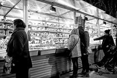 Start shopping (explored 2016/12/01) (Fnikos) Tags: street buy light people shop store feria fira nadal monochrome blackandwhite outdoor