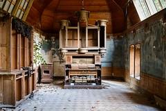 \a.me.li\ (www.nicolabertellotti.com) Tags: villa house casa organo urbex decay decadenza forgotten abbandonato abbandonata abandoned abbandono