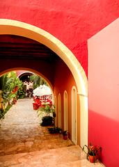 Rojo (julien.ginefri) Tags: street color mxico architecture mexico calle rojo yucatan valladolid mexique porte rue couleur fenetre aquitectura