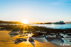 Amanecer 2 (diegogonzlezvilda) Tags: sol mar playa paisaje amanecer otoo santander rocas cantabria