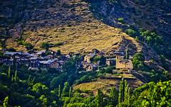 Estaon (SBA73) Tags: light dorf village pueblo catalonia catalunya catalua vespre catalogna pallars pallarssobir poble katalonien catalogne estaon cards   valldecards
