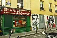 Zabou at Paris (Montmartre) (@necDOT) Tags: streetart paris graffiti montmartre ameliepoulain zabou