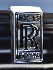 Rolls-Royce Silver Shadow II (1977-1980) (Transaxle (alias Toprope)) Tags: rollsroyce rr silvershadowii 1977 1978 1979 1980 rolls royce silver shadow vinyl vinylroof motor meilenwerk classicremise berlin nikon d90 auto autos antique amazing beauty bella beautiful cars car coches coche classic classics carros carro clasico design dreamcar exotic engine historic iconic legendary macchina macchine oldtimer power powerful retro soul styling sport toprope voiture vintage voitures vehicle badge