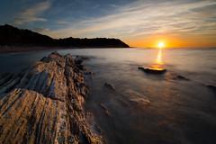 Erromardi, derniers rayons. (Herv D.) Tags: erromardi pays basque country atlantic atlantique seascape paysage mer ocan poselongue longexposure saintjeandeluz