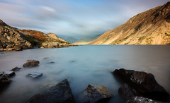 Wast Water (aveyardphotography) Tags: wast water wasdale lake district mountains hills nature rocks long exposure heather slope scree cumbria clouds cloudy calm serene