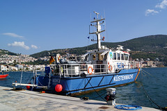 German coastguard in Samos harbour (Steenjep) Tags: samos holiday ferie greece grkenland harbour port boat pier water blue kstenwache rostock brd coastguard eu frontier marine police
