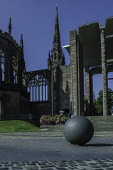 THE OLD AND THE NEW (IAN GARDNER PHOTOGRAPHY) Tags: cv1 coventry cathedral ruins cathedralruins history blitz