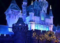 Details (florbbg) Tags: sleepingbeautycastle disneyland anaheim california unitedstates night castle sleepingbeauty christmas lights usa ca nikon nikond5100