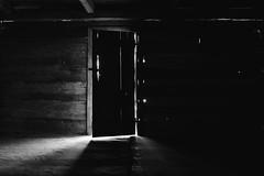 Palmer House (BurlapZack) Tags: pentaxk3 pentaxsmcda18135mmf3556edalifdcwr vscofilm pack06 greatsmokymountainnationalpark gsmnp cabin cabininthewoods spooky eerie scary halloween doorway light abandoned abandonedhouse woods forest tropes door frame haunted ghosts interior fall autumn roadtrip vacation familyvacation palmerhouse