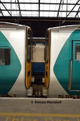 2801+2811 at Limerick, 22/10/16 (hurricanemk1c) Tags: limerick railways railway train trains irish rail irishrail iarnrd ireann iarnrdireann 2016 class2800 commuter tokyucarcorp 2801 2811