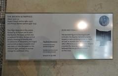 ca. 1500-1510 - 'St. George, The Brixen Altarpiece' (Philipp Diemer, workshop of Ruprecht (Rupert) Potsch), Bressanone/Brixen, V&A, London, England (Roel Renmans) Tags: 1500 1510 st sint saint sankt george georges joris jorge san georg dragon drache draak horse pferd cheval princess philipp diemer atelier workshop rupert ruprecht potsch tirol tyrol alto adige italy brixen bressanone va victoria albert museum london england uk armor armour gothic renaissance early armure armadura armatura rstung plattenharnisch lance halo painting gemlde peinture pittura gotico drago sallet salade schaller celata