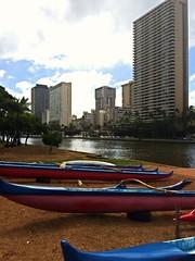 Ala Wai canal (tompa2) Tags: kanal kanot waikiki honolulu hawaii höghus