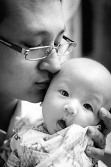 Father's Love (JeffWu0624) Tags: family bw canonef24mmf14liiusm kid child