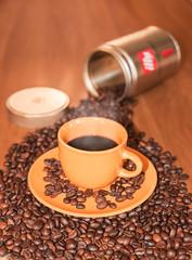 caff (cecconidavide1971) Tags: caff chicchi tazzina arancione illy food