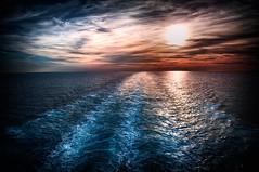Tramonto in mezzo al mae (Alessio Rodin) Tags: cruise ship nave crociera diadema costa italia savona la spezia mare tramonto sunset