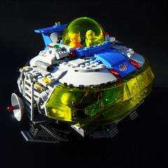 Vega-7_Space_Lander-Landing_1 (Daniel Jassim) Tags: light orange classic dan lego space gray rover vega saucer lander jassim vega7