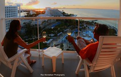 a toast to a very nice sunset (Rex Montalban Photography) Tags: sunset summer mexico wine cancun mayanriviera rexmontalbanphotography riupalacepeninsula