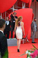 Red carpet (fehgnee) Tags: red people cinema black cars car fashion festival mobile movie carpet photo cool nikon photographer photographers actress vip actor nikkor vips mode redcarpet blackdress selfie 70300 moviefestival nikkor70300 d3100 nikond3100