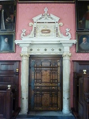 Krakov, univerzita (107) (ladabar) Tags: doorway portal kraków cracow cracovia krakau krakov dveře portál