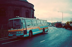 SWW 138R, Leyland Leopard Duple Dominant (miledorcha) Tags: wallace arnold coaches coach leeds tours tay valley travel dundee cosgrove sww138r leyland leopard psu3e4r duple dominant psv pcv smt dealer glasgow finnieston north rotunda