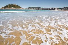 Playa de la Concha (PhotoSebastian) Tags: beach playa costa holidays beautiful travel destination relax swimming sea ocean spain san sebastian espaa vasco