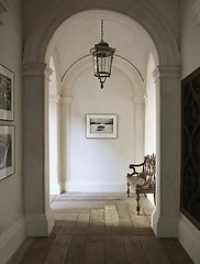 EN-20D (orangestreetdesign) Tags: entry classical woodfloor bench hallway molding interiorarchitecture