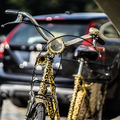 Tiger Bike (*Capture the Moment*) Tags: summer sonne schweiz fahrrad bicycle bern bokehlicious wetter sun sonya7ii sommer fotowalk bokeh berne 2016 zeissbatis1885 switzerland