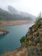 Cougar Cliff (Sotosoroto) Tags: dayhike hiking cougarhotsprings oregon cougarreservoir lake