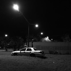 slow night (mennyj) Tags: texas tx thanksgiving thxgiving 2016 keepthanksgivingweird keepthanksgivingweirdvacationiphoneiphone7plusiphone7mobilesquareaustintravelwild westaint nobody feelin no painboot scoot wandering explore mobile iphone iphone7 iphone7plus police car popo stranded austin eastside