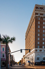 Thanksgiving in Charleston 2016-6 (King_of_Games) Tags: charleston chs southcarolina sc downtown kingstreet kingst francismarionhotel