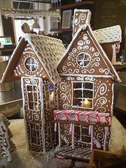 Gingerbreadhouse at Caf Fontana (SpicaNio) Tags: gingerbread gingerbreadhouse