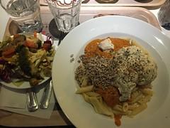 Lunch 22/11 (Atomeyes) Tags: mat sej fisk penne pasta tomatss sallad knckebrd vatten