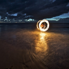 tumblr_l3d3exoRtV1qav6t4o1_500 (law.k1989) Tags: ocean park morning light seascape lightpainting beach night painting fire photography early nikon long exposure flickr circles flames fineart sydney royal australia photoblog national nsw shire alexander juggling tobias sutherland dreamscape garie natio firepainting d700 alexkess kesselaar lightpainters huenlich