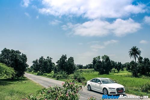 2015-Audi-A6-Matrix-08