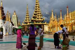 Shwedagon Pagoda, Yangon, Myanmar D810 841 (tango-) Tags: burma myanmar birmania goldenpagoda  shwedagonzedidaw   greatdagonpagoda