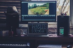 Pantallas  #workspace #setup #mac #android #finalcut #workstation (gastongordon) Tags: mac workspace workstation setup android finalcut uploaded:by=flickstagram instagram:photo=10798559806997590157148115 instagram:venuename=martinezcity instagram:venue=333525610