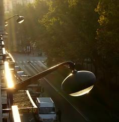 La guerre des mondes - War of the worlds, Paris (blafond) Tags: street morning paris de streetlights lampadaire waroftheworlds matin sunnymorning laguerredesmondes ensoleillboulevard clichyrue dserteempty