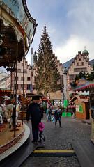 In the mood to visit the fabulous Frankfurt Christmas market (grinnin1110) Tags: germany outdoors deutschland europe downtown hessen frankfurt christmasmarket weihnachtsmarkt christmastree metropolis weihnachtsbaum altstadt frankfurtammain carrousel metropole rmerberg rmer hesse frankfurtam