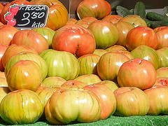 Tomate! (J.G.Sansano) Tags: tomate verduras mercado huerta xq1
