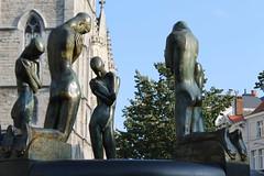 Gent_5_Fontaine des agenouillés_George Minne_IMG_9734 (Hélène (HLB)) Tags: ghent gent gand belgique belgië europe minne scuplture fontaine agenouillés george bron geknielden europa art personnes outdoor dehors city center statue statues statuen