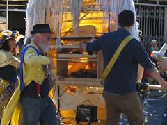 Inside Timothy Leary's Head at the 2015 Doo Dah Parade (Robb Wilson) Tags: pasadena doodah 2015doodahparade timothyleary lsd computerizedgianthead freephotos