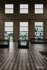 Open the windows (sirixception) Tags: belgi belgium genk windows vensters cmine old oud leeg empty