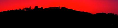 prosincový západ slunce nad hradem, Kapradí a Velešovem - sunset over castle and hills - POTŠTEJN - CZECH REPUBLIC